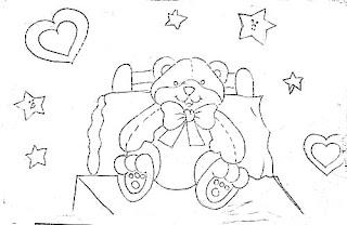 risco urso na cama com coracoes e estrelas
