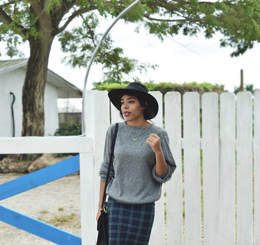 Minimalist Indie Fashion Blogger Anais Alexandre of Down to Stars in a top shop skirt and an asos hat