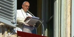 Papa faz reflexão sobre a Família da Nazaré no Angelus