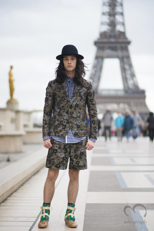 Model Louis Kurihara wears Sacai during Paris Fashion Week PFWパリのファッションウィークでサカイを着ていたモデルの栗原類