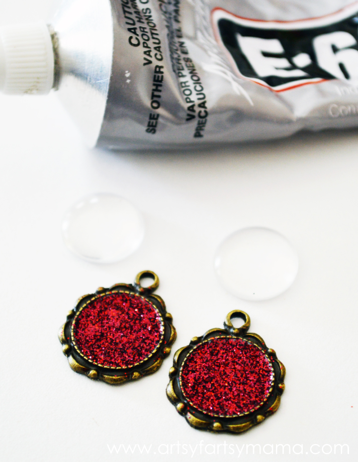 DIY Glitter Earrings at artsyfartsymama.com #jewelry #earrings #glitter