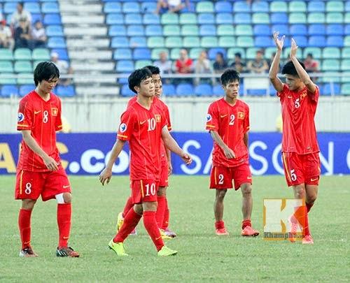 Cầu thủ U19 Việt Nam đẫm lệ ngày chia tay