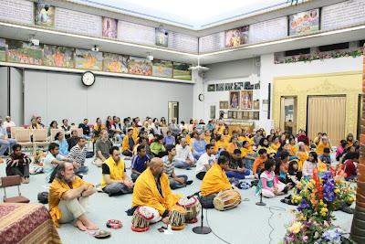 Thanksgiving retreat with Siddheshvari Devi at Radha Madhav Dham 9