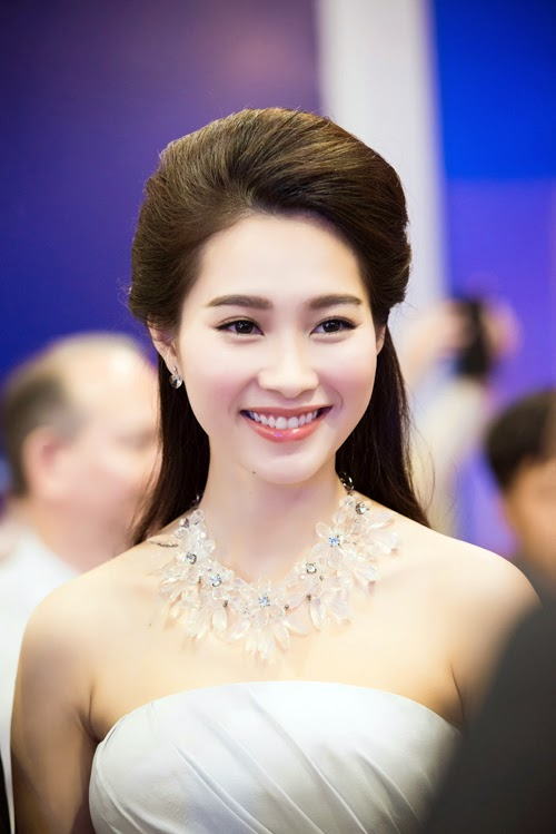 Top 10 most beautiful girls in Vietnam -