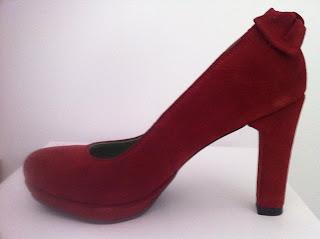 foto pantofi rosu grena din piele intoarsa