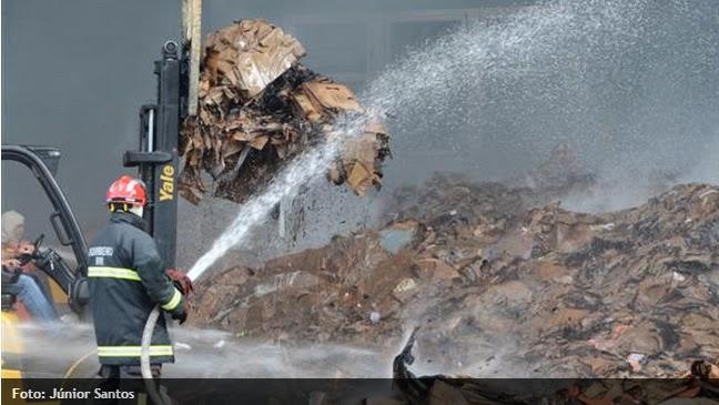 Incêndio atinge depósito do shopping Midway Mall em Natal