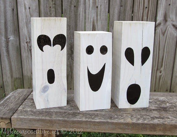 Wood block ghosts and 31 other Kid friendly Halloween ideas! Clever Nest with Hometalk #toddler #roundup #costume