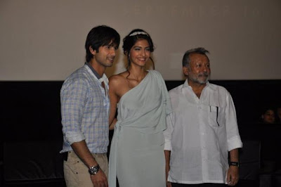 Shahid Kapoor And Sonam Kapoor At Mausam Trailer Launching Party