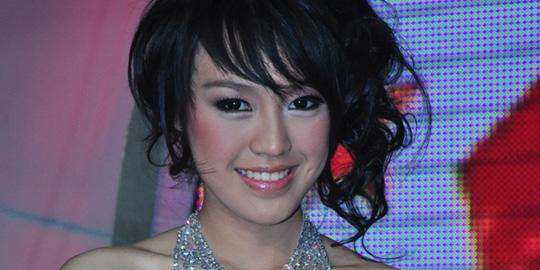 3 Vania Larissa Profil dan Foto Vania Larissa Miss Indonesia 2013