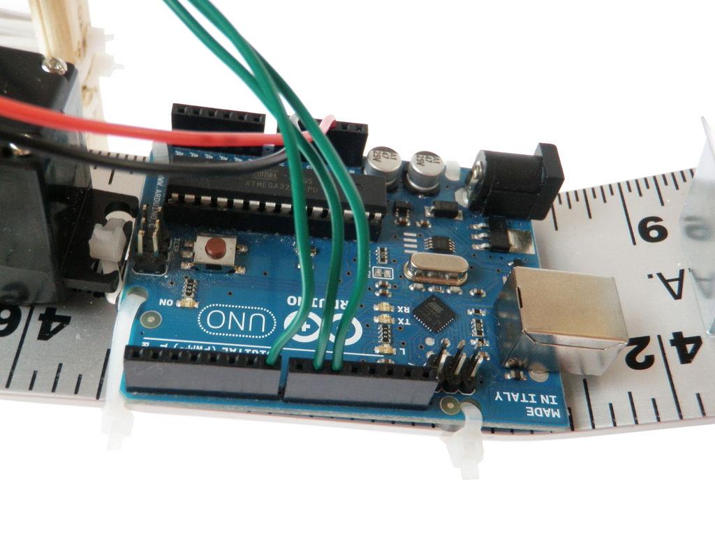 Projects fun walking robot using arduino