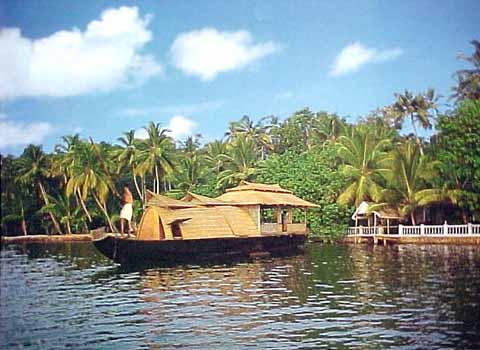 Winter Special - Fascinating Kerala from Mumbai