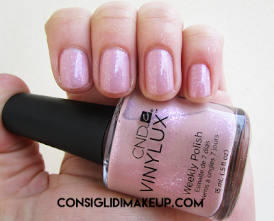 swatch smalto fragrant freesia 187 cnd vinylux