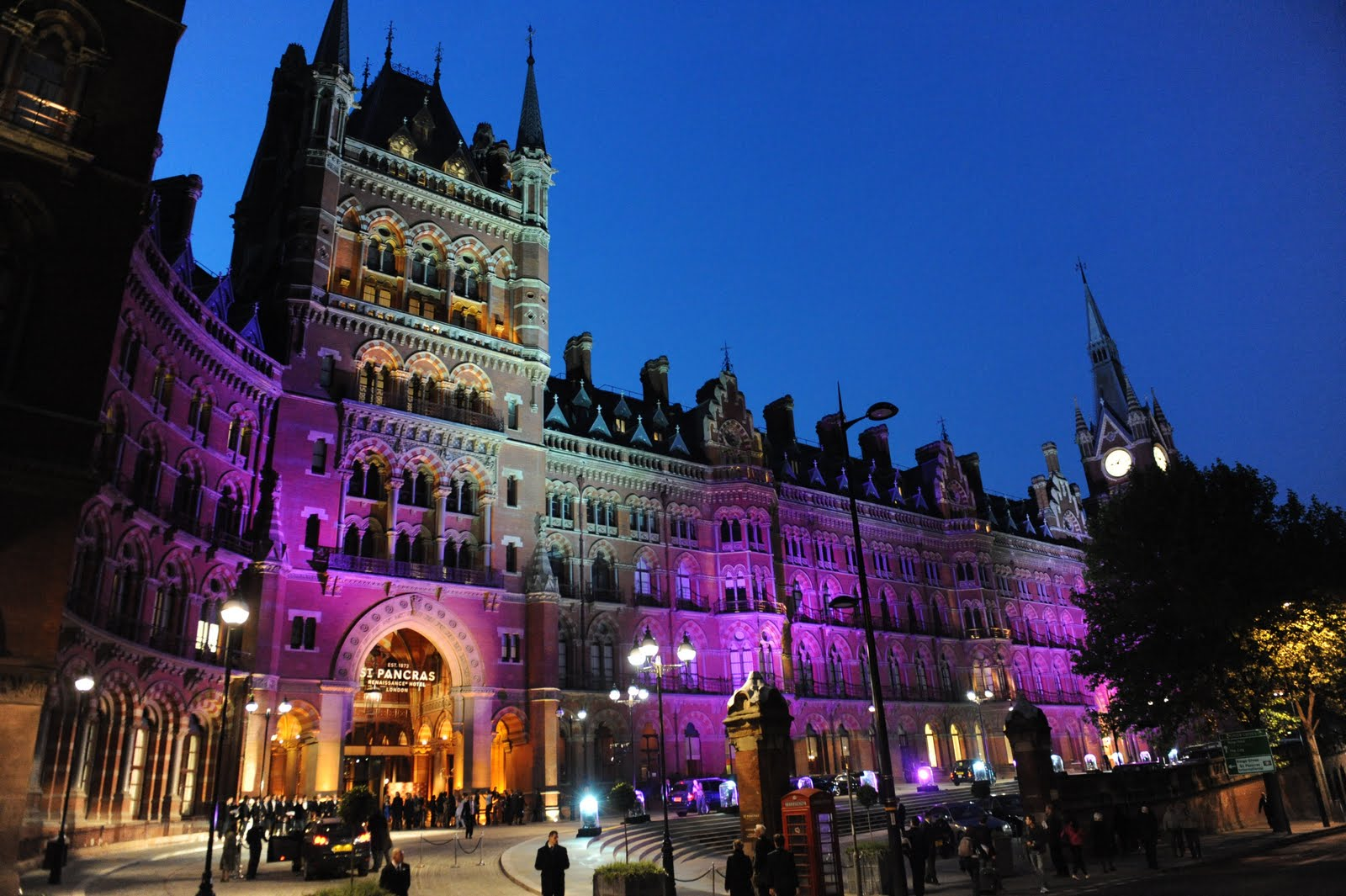 london s restored st pancras hotel s launch party. Black Bedroom Furniture Sets. Home Design Ideas