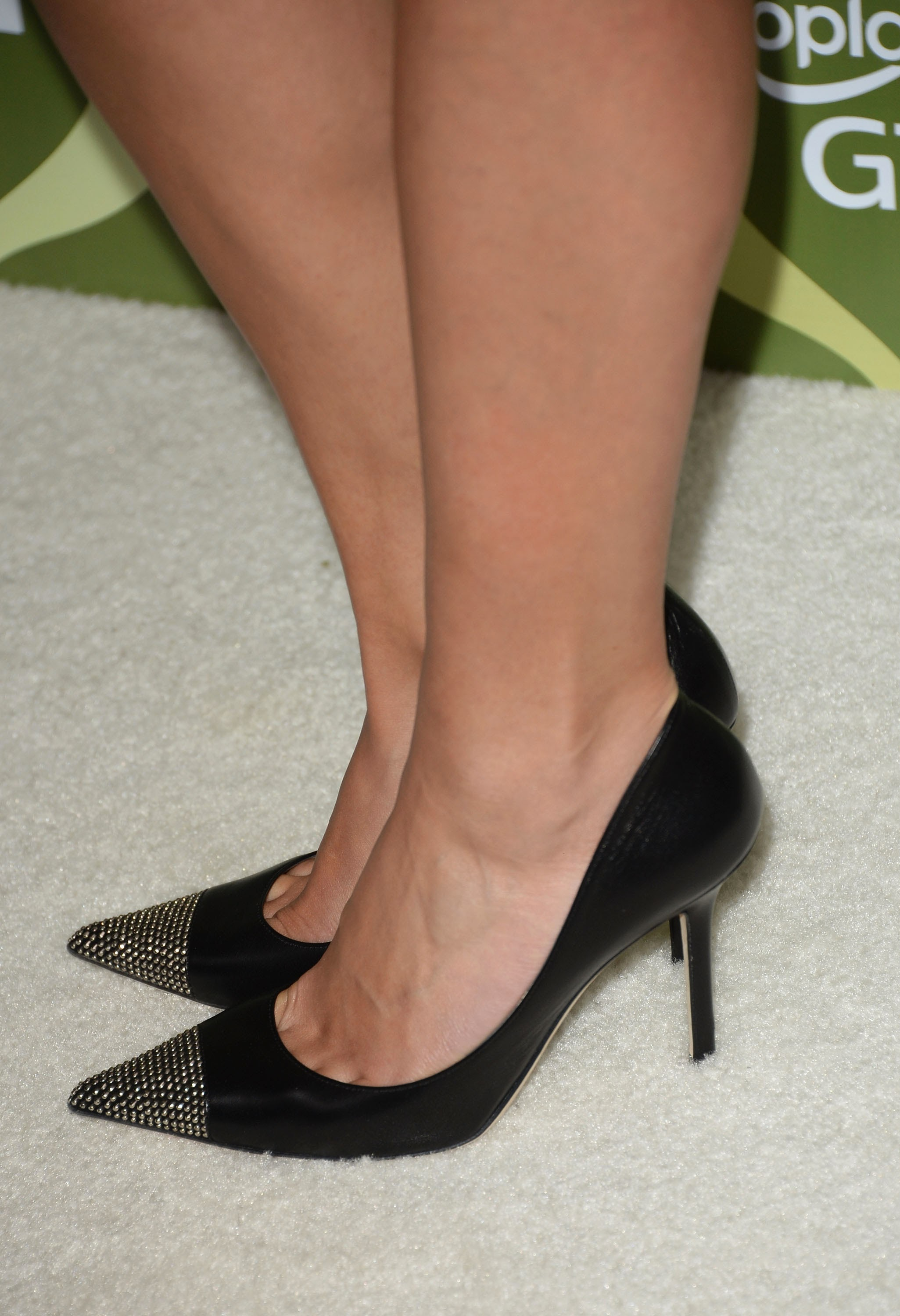 Shoes That Show Toe Cleavage