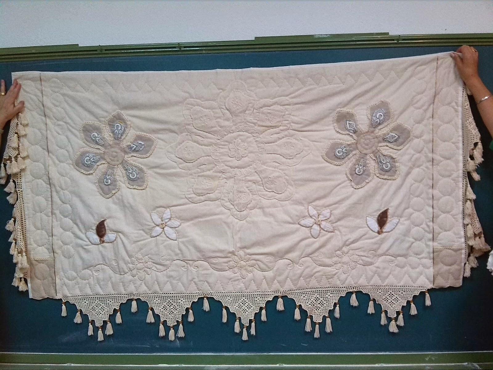 Las chicas del patchwork de santa pola bolsos monederos for Cubrepies de cama