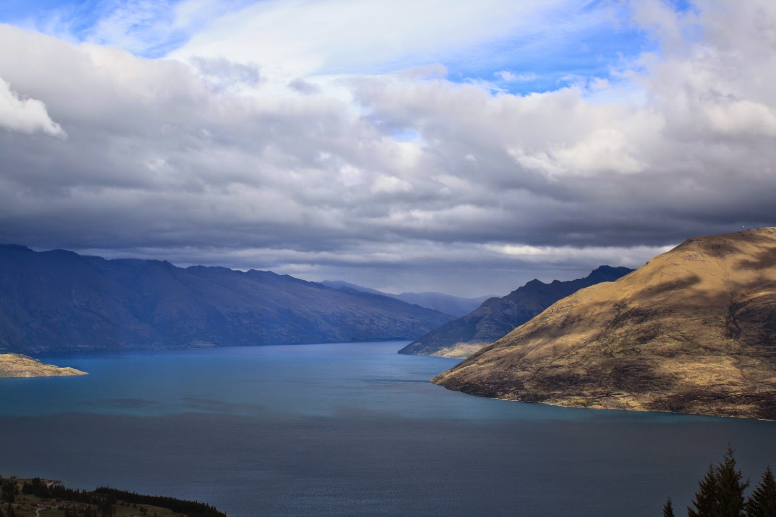 Lake Wakatipu, Queenstown from the top of the gondolas.