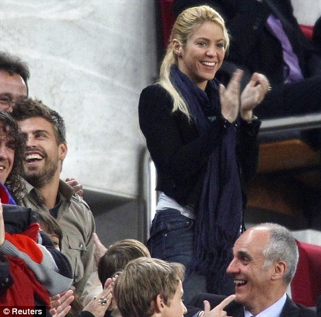 gerard pique and shakira dating. Shakira and Piqué dating game