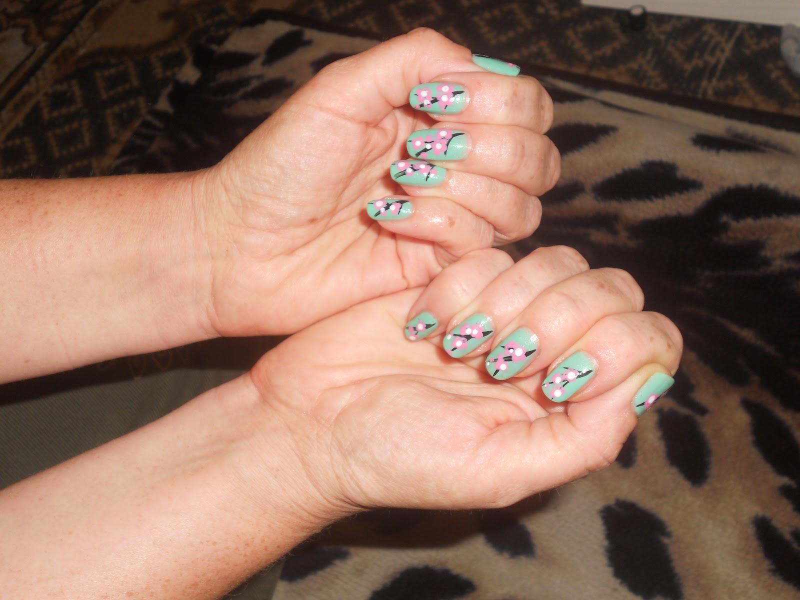 Ветка сакуры рисунок на ногтях фото