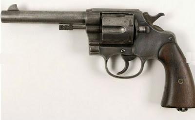 Venda de armas de  Bonnie e Clyde cria polêmica em leilão