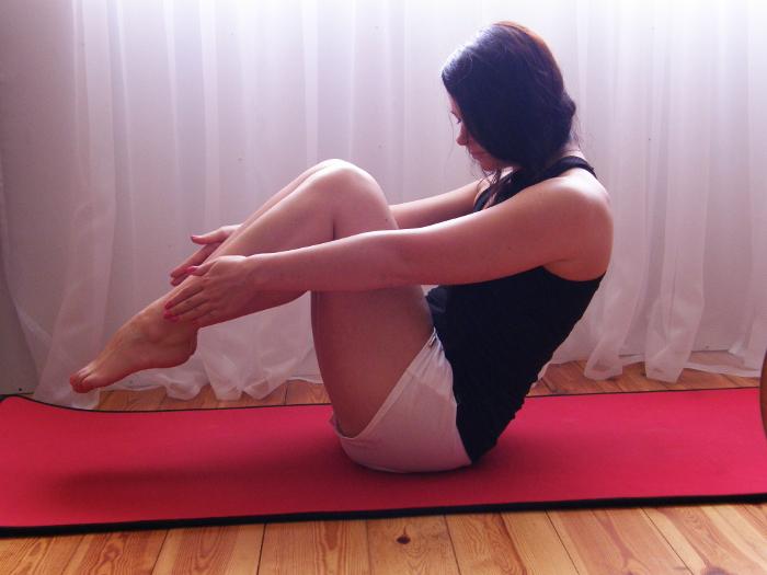 http://www.monikabregula.pl/2015/07/czy-warto-cwiczyc-pilates.html