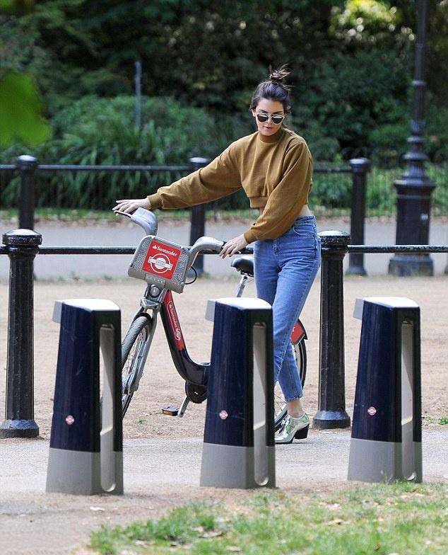 Model tourist! Kendall jenner explores London on a motorbike