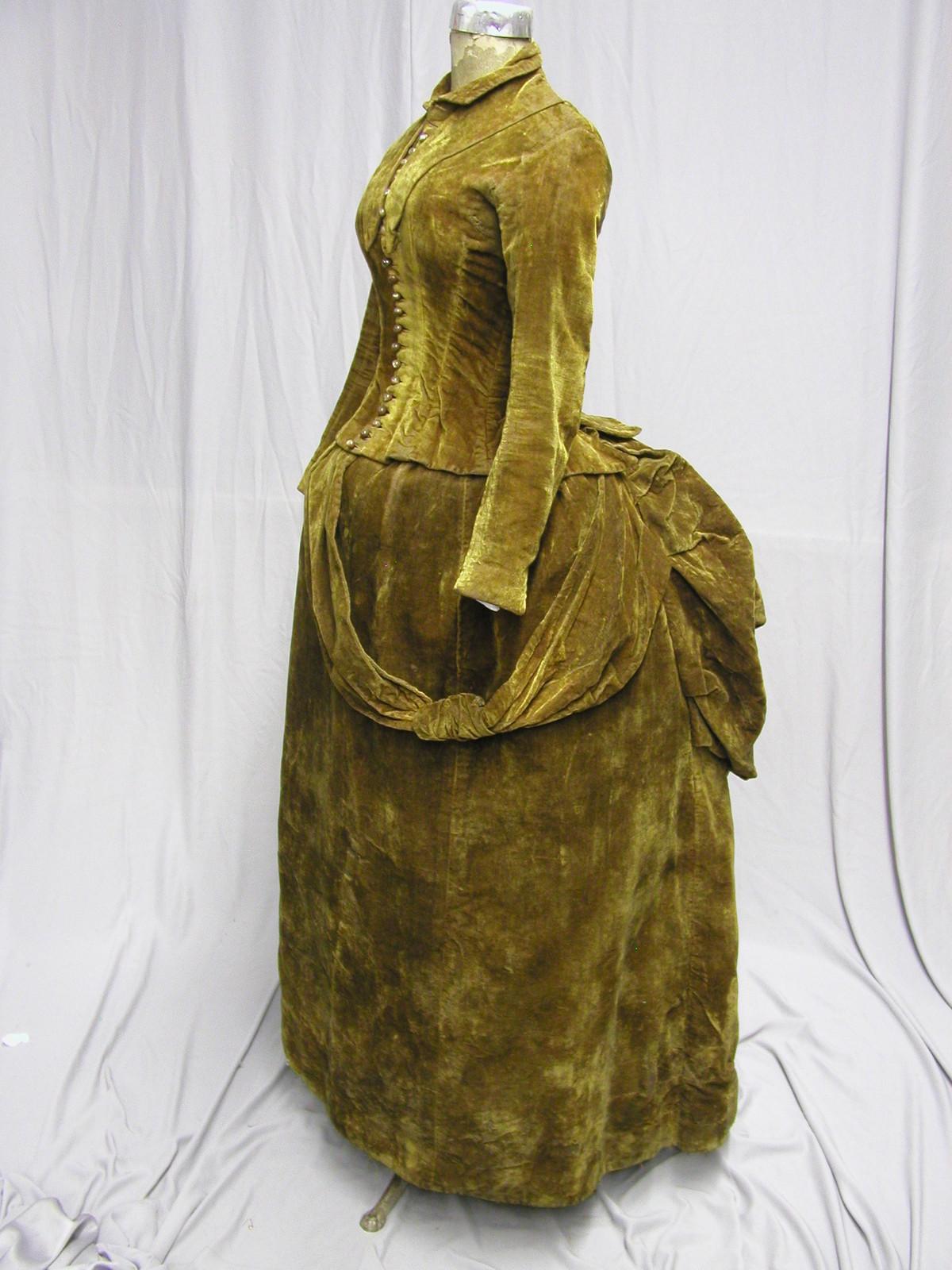 how to make a bustle dress
