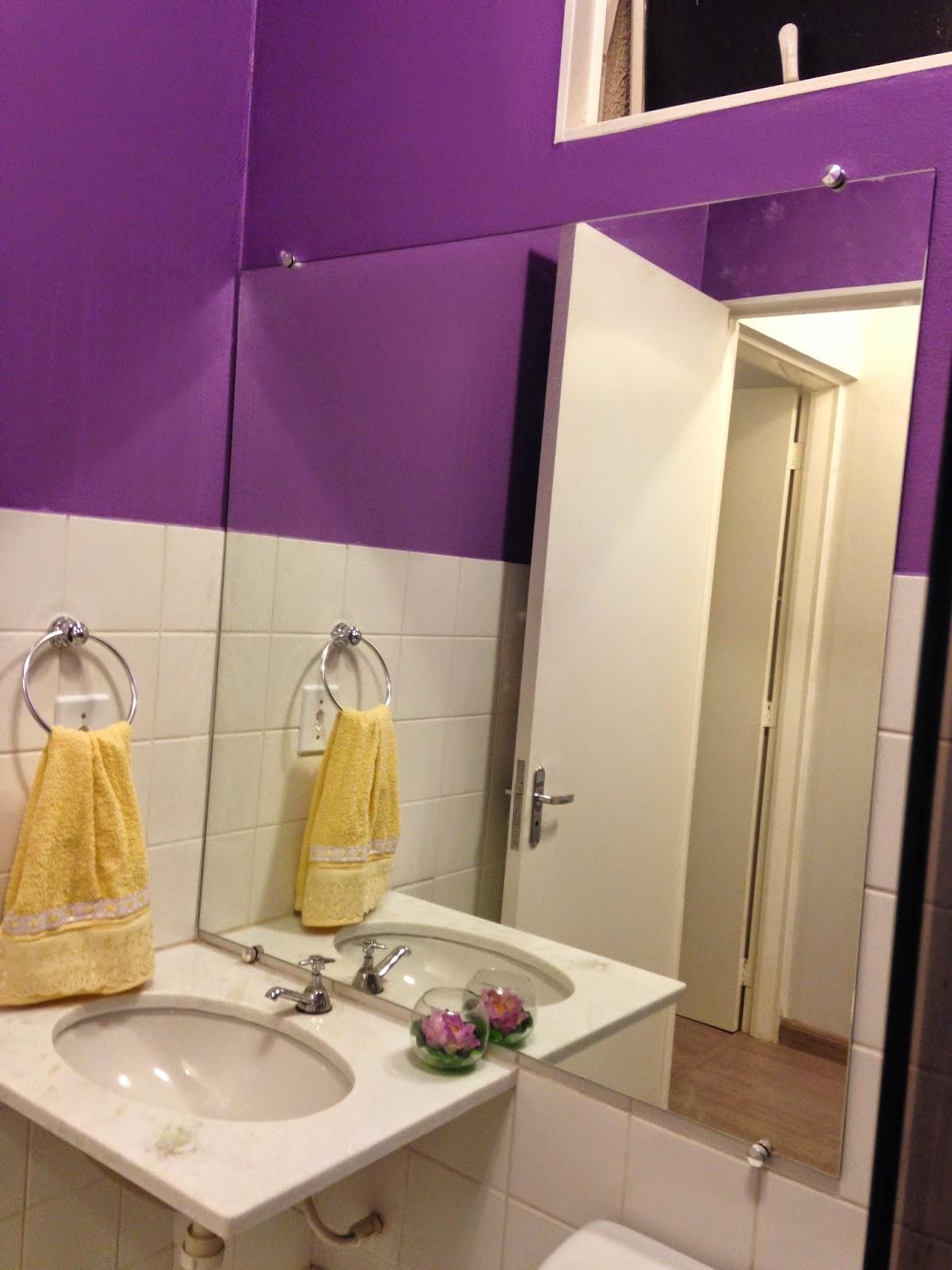 Nosso tão sonhado 50 metros : Nosso Banheiro uva!! #9A7731 1200x1600 Banheiro Com Azulejo Ate A Metade