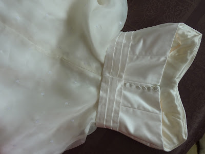 robe de mariée en soie par couturière sur mesure ouest Paris