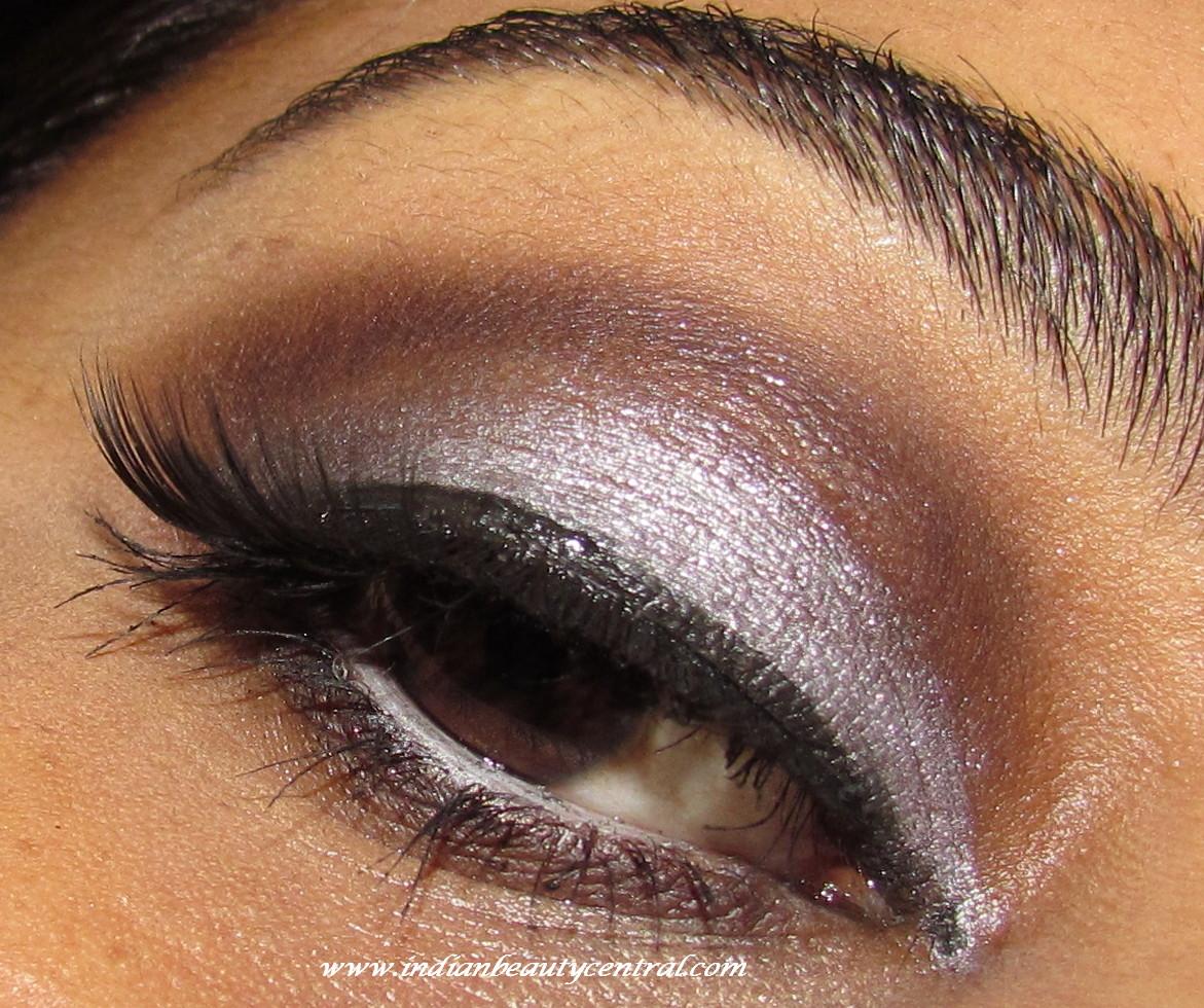 http://4.bp.blogspot.com/-q6jbHKj0HbY/UHMuzQHxtFI/AAAAAAAALQo/V35XjcCGTPQ/s1600/kim+kardashian+inspired+grey+smokey+eye+makeup4.jpg