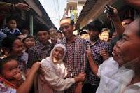 Gaya Rieke bukan kotak-kotaknya Jokowi