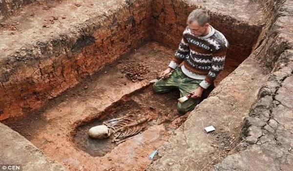 Εξωγήινος σκελετός με κωνικό κεφάλι στο Τσελιαμπίνσκ της Ρωσίας;