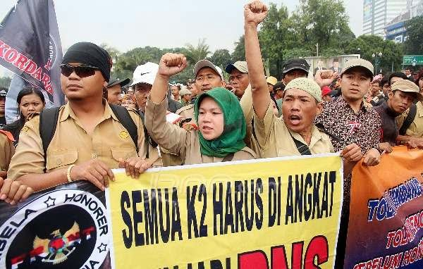 Protes Honorer K2 Asli yang Gagal Tes Sekitar 390 Ribu
