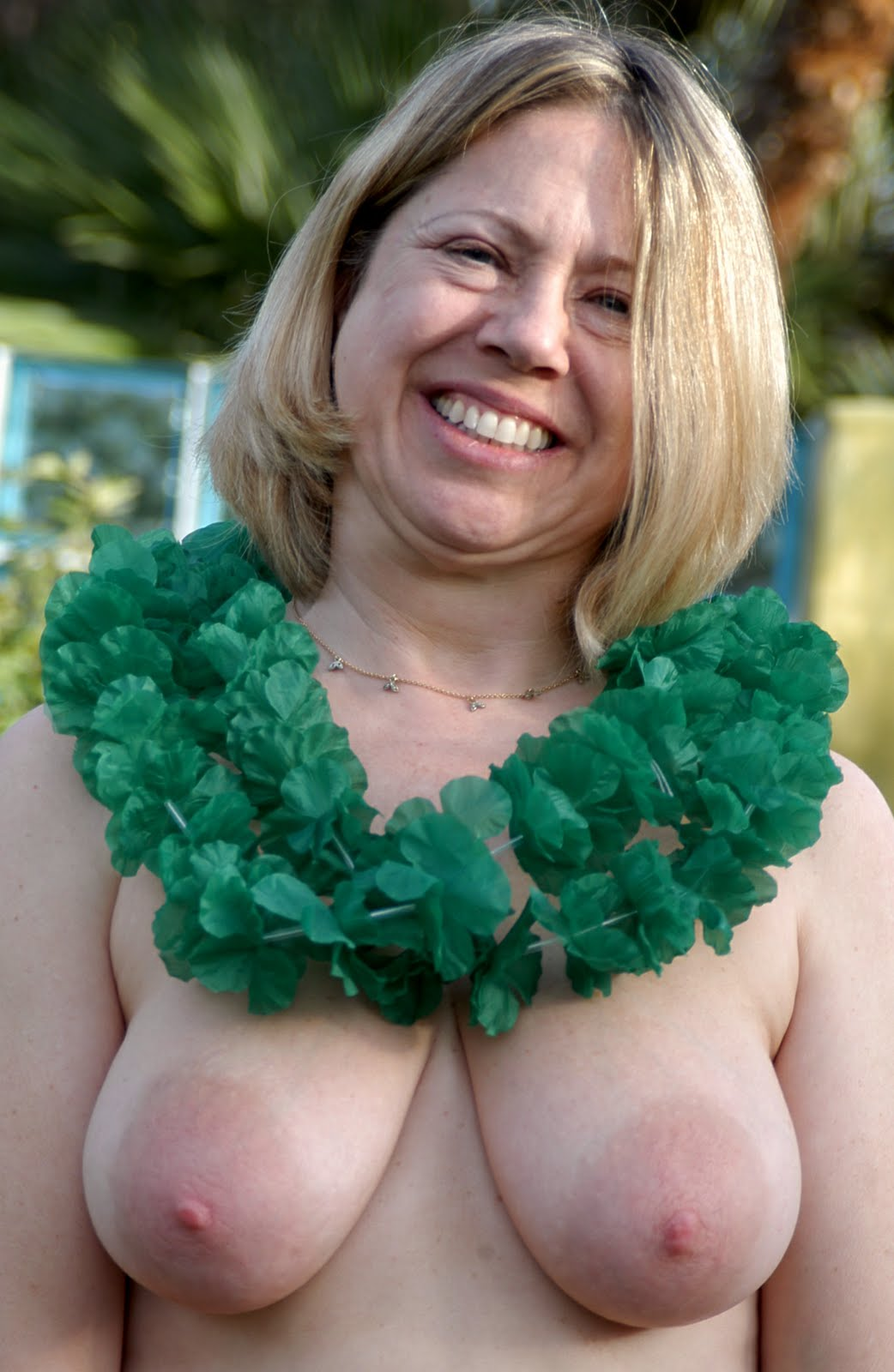 It's almost happy naked St. Patrick's Day party time in Palm Springs ...