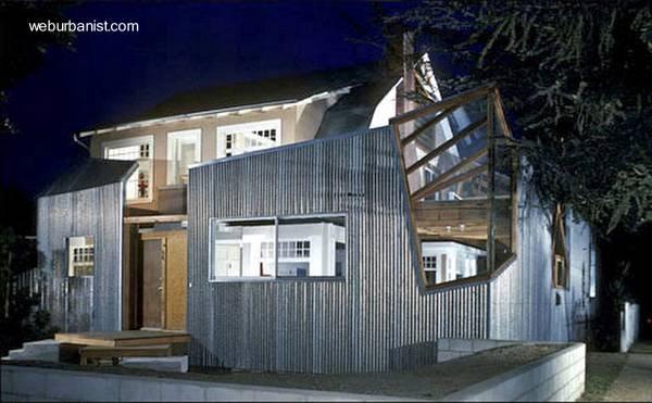 Casa posmoderna deconstructivista de Frank Gehry en Santa Mónica, California