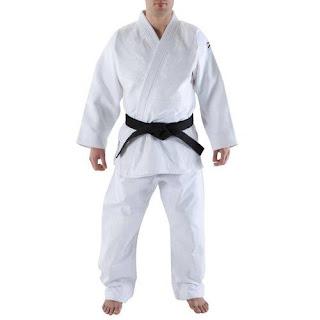 Kimono de jiu jitsu: limpar kimono é tarefa simples e indispensável