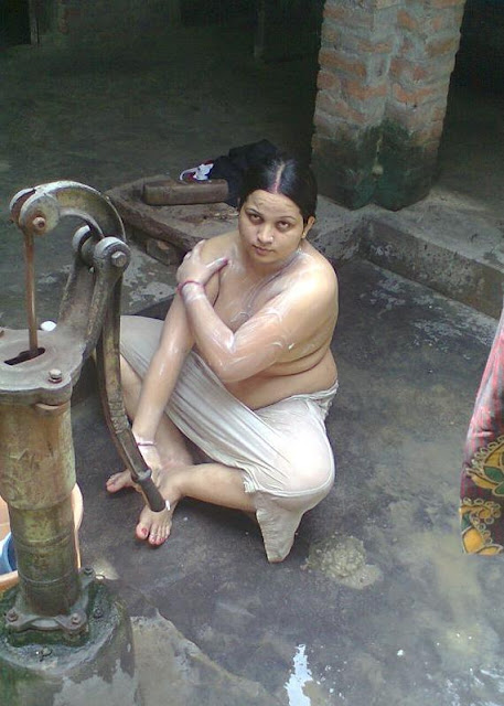 Nude indian desi aunty bathing