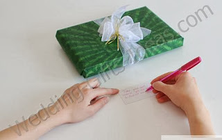 Personalize your gift - How to Choose Best Wedding Gifts
