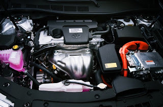 2012 Toyota Camry XLE Hybrid Review Engine