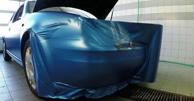 Δείτε πως «τυλίγεται» ένα αυτοκίνητο μέσα από αυτό το απίστευτο βίντεο