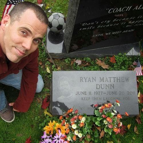 Steve-O visited Ryan Dunn Tomb