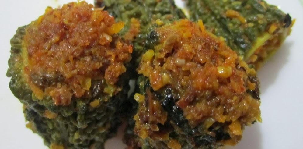 http://welcometotheworldofh4.blogspot.in/2012/10/bitter-gourd-stuffed-masala-curry.html