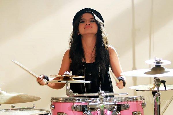 Alsa Drummer Cantik Setia Band