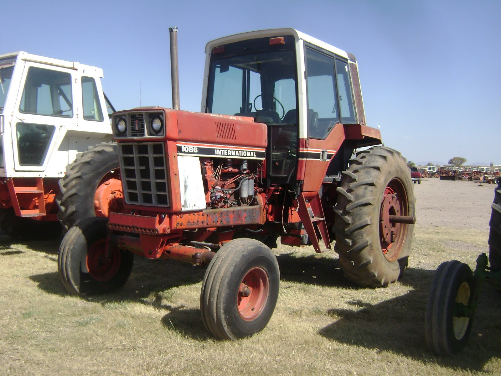 Maquinaria Agricola Industrial  Tractor International 1086 En  8 000 Dlls