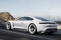 Porsche berlina elettrica