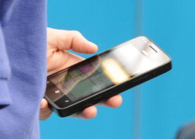 Um protótipo da Nokia rodando Windows Phone 8