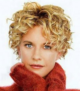 Kort Krullend Haar op Pinterest Korte Krullende Kapsels  - Kapsels Boblijn Krullen