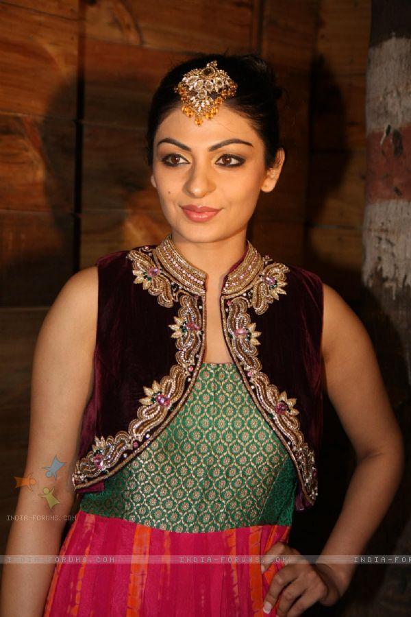 Neeru Bajwa Suits