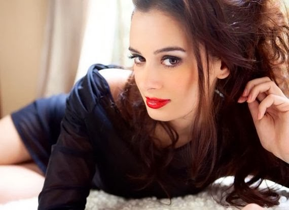 Evelyn Sharma black skirt hot pics