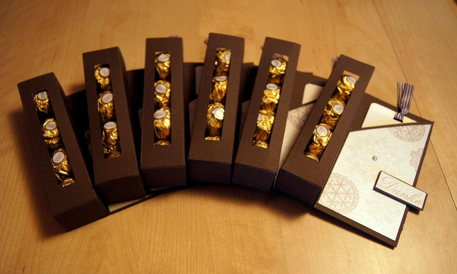 kreative ideenwelt verpackung f r ferrero rocher. Black Bedroom Furniture Sets. Home Design Ideas