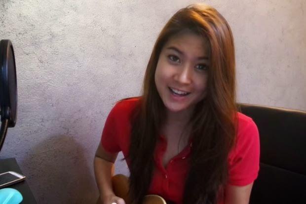 Video Lagu Tanggal 31 Nyanyian Si Cantik Elizabeth Menjadi Viral Di Youtube